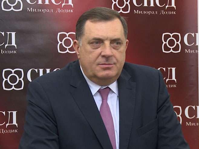 Dodik: SNSD čuva dostojanstvo Srpskog naroda i Srpske