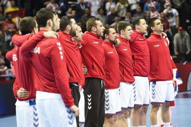 Nevidljivi golmani, anemična odbrana, debakl Srbije!