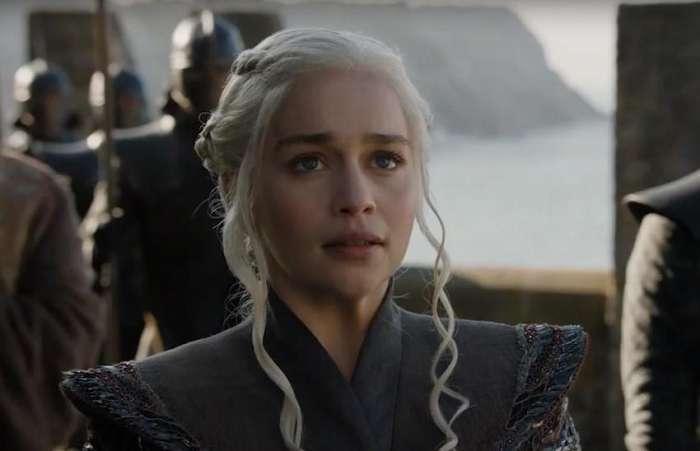 """Obožavatelj platio 160.000 dolara za gledanje """"Game of Thrones"""" s Emilijom Clarke"""