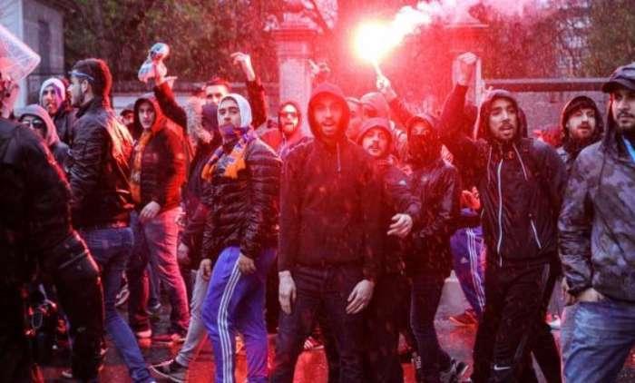 Haos u Bilbau: Navijači izboli redare, povrijedili djevojčicu i sukobili se sa policijom! VIDEO