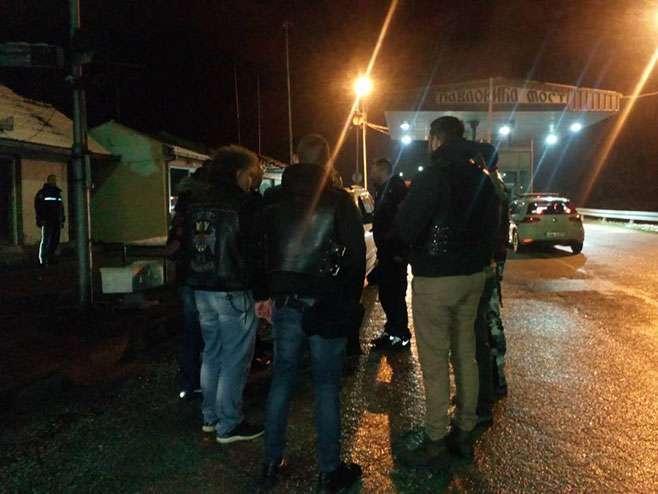 Noćni vukovi stigli u Srpsku; dočekani na prelazu Pavlovića most