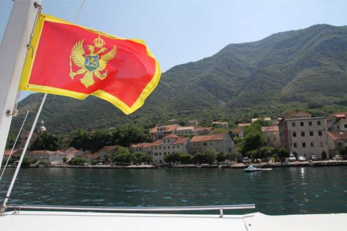 Mala je Crna Gora, ali milioni nisu