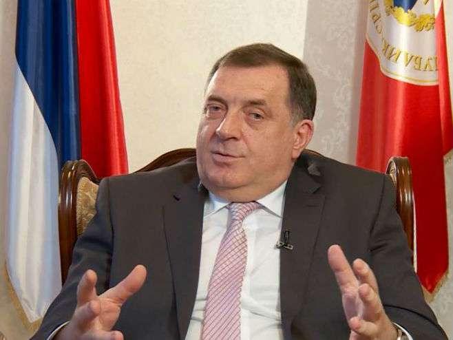 Dodik: Formirati komisiju za proizvodnju oružja u FBiH
