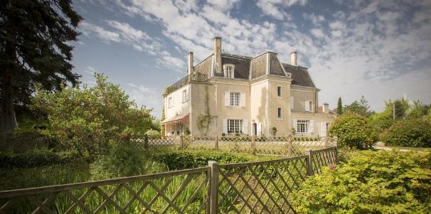 Na prodaju francuski dvorac iz 19. vijeka, košta 935.000 eura (FOTO)