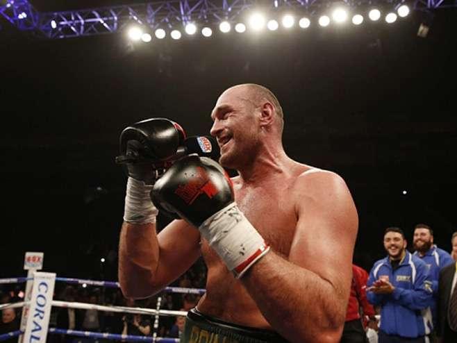 Fjuri se vraća boksu