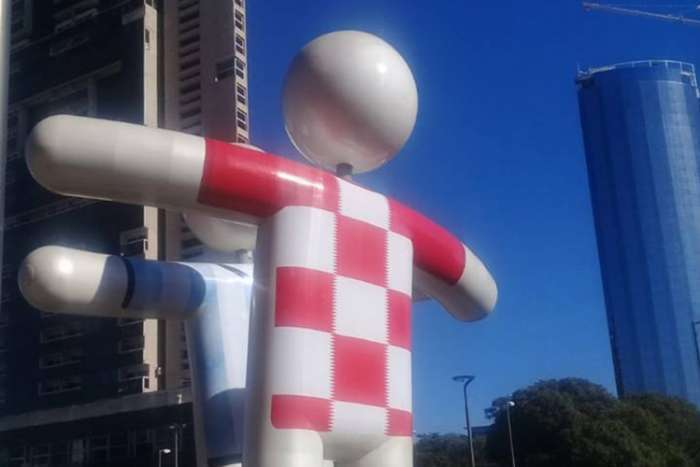 Usred Argentine osvanuo hrvatski dres od sedam metara