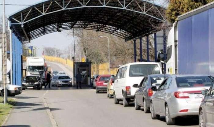 Velike gužve na graničnim prelazima prema Hrvatskoj