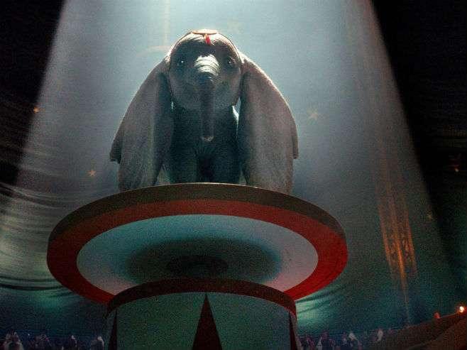 Objavljen prvi trejler za Diznijev film o sloniću Dambu (VIDEO)