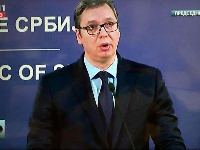 Vučić zahvalio Surinamu za povlačene priznanja Kosova