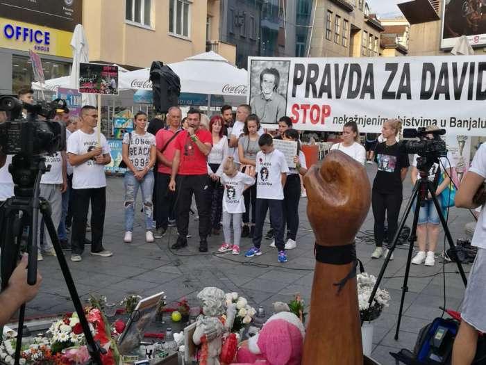 """U Banjaluci 114. skup """"Pravda za Davida"""", Davor Dragićević poručio: """"Nečasni pripadnici MUP RS su krivi za smrt mog sina!"""""""
