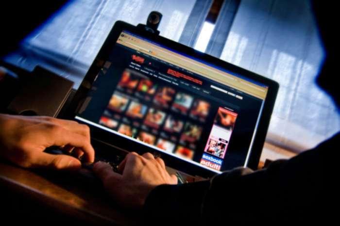 Pornografija može uništiti seksualni život jer stvara nerealna očekivanja u krevetu