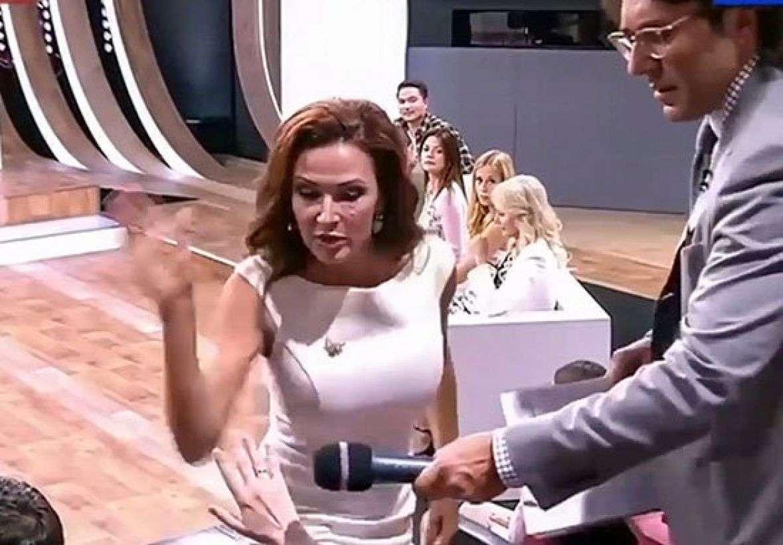 Glumica ošamarila ženu iz publike jer je vrijeđala njenog sina (VIDEO)