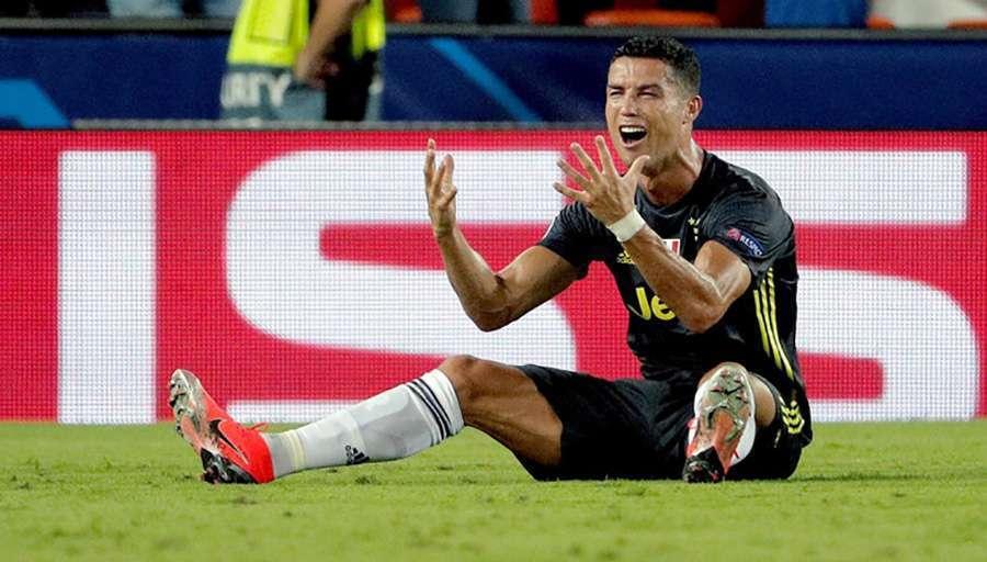 """REČENICA KOJA I DALJE ODZVANJA """"MESTALJOM"""" Ovo je Ronaldo u suzama ponavljao Feliksu Brihu nakon isključenja"""