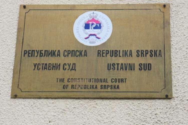 Ustavni sud RS: Neprihvatljiv zahtjev Kluba Bošnjaka u vezi sa informacijom o Srebrenici