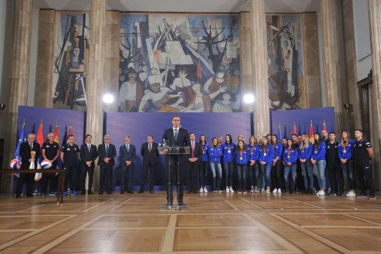 Vučić i Dodik primili zlatne odbojkašice (VIDEO)