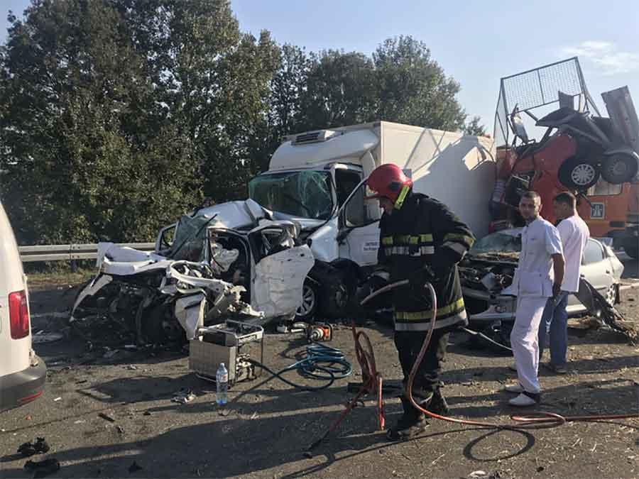 Raste broj žrtava stravične nesreće na autoputu