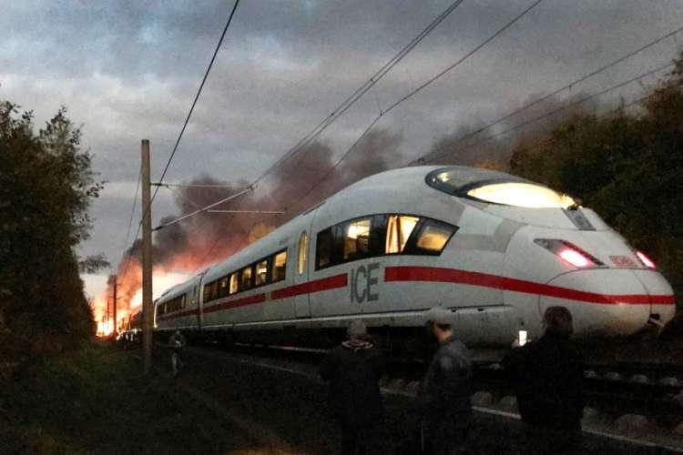 Zapalio se brzi voz u Njemačkoj, evakuisano 510 putnika