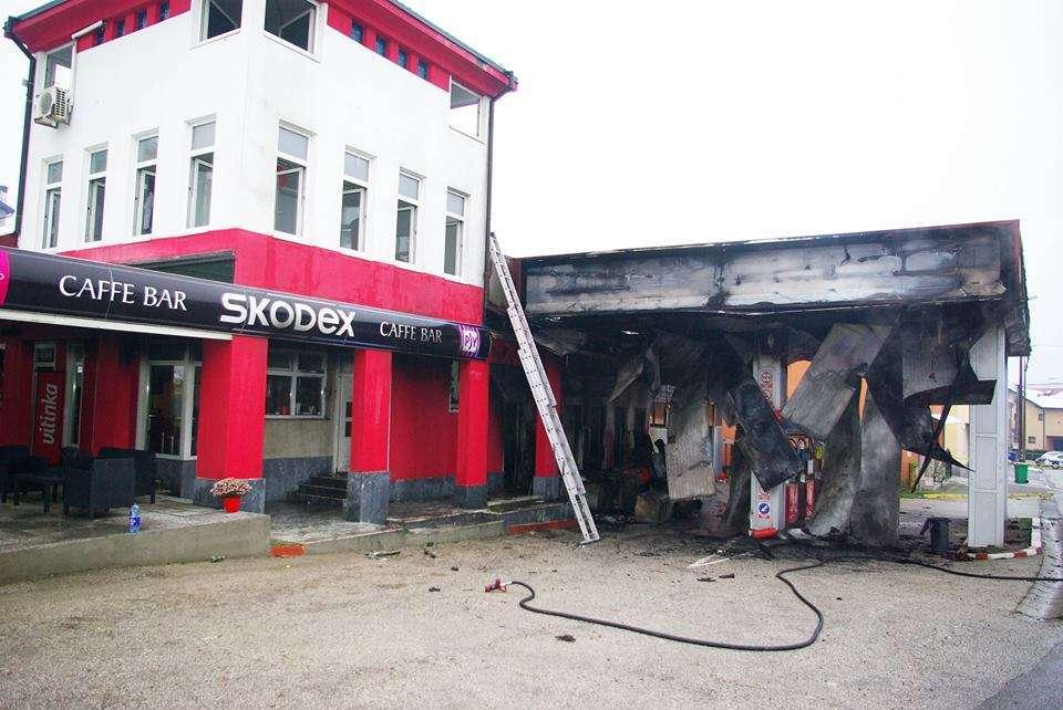 """Požar na pumpi """"Slavuljica petrol"""" u Derventi"""