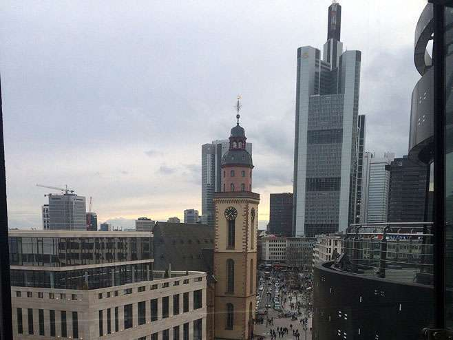 Izlila se opasna kiselina u Frankfurtu na Majni