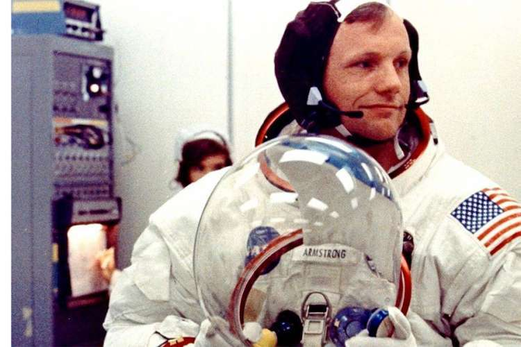 Predmeti Nila Armstronga prodati za 7,5 miliona dolara