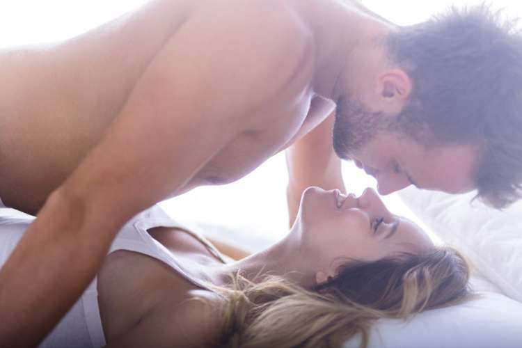 Kako do sjajnog i eksplozivnog seksa u misionarskoj pozi?