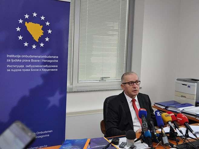 Mitrović: Nije zabranjeno unošenje zastave Srpske u Predsjedništvo BiH (VIDEO)