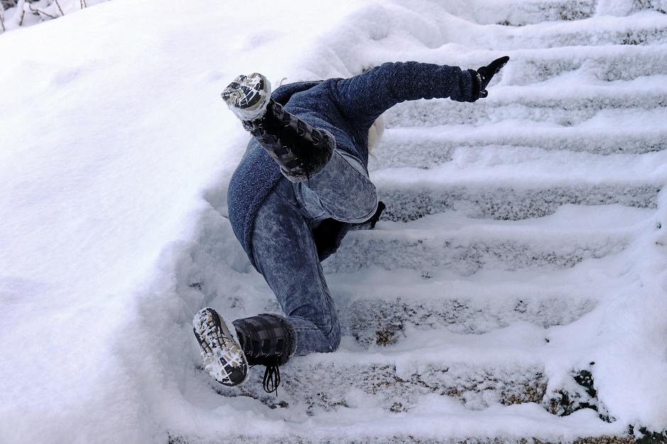 Klizavo je – evo kako da ne padnete