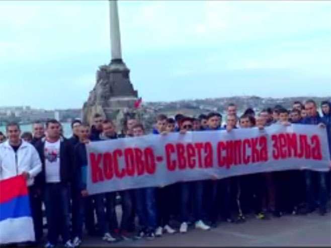 Rusi pjevaju srpske pjesme (VIDEO)