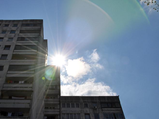Promjenljivo do pretežno oblačno sa sunčanim intervalima