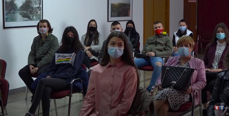 Derventa- Ugovori sa 78 novih stipendista, grad za stipendije izdvojio 200.000 KM (VIDEO)