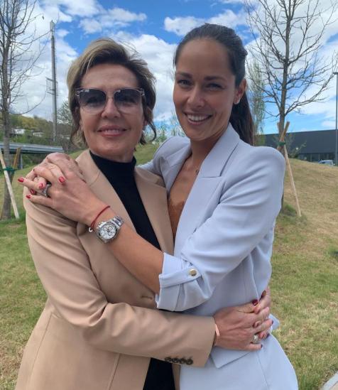 Ana Ivanović podijelila fotografiju sa majkom: Hvala ti za sve