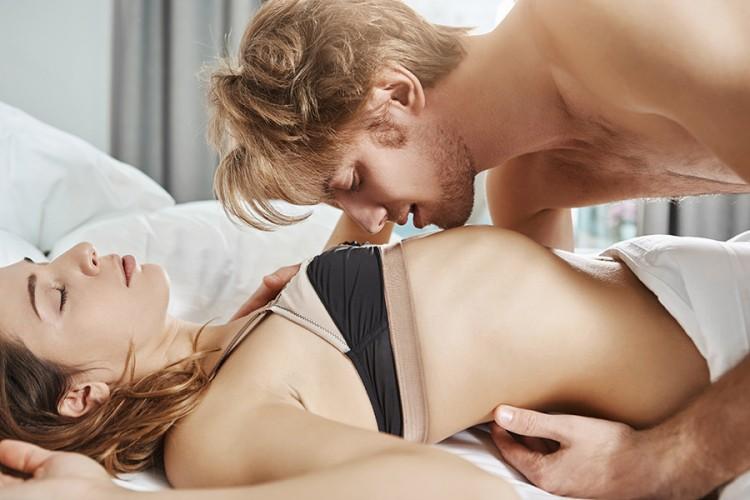Koje je najbolje doba dana za seks za ženu, a koje za muškarca?