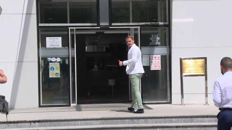 """Stanivuković na saslušanju u banjalučkom Osnovnom sudu: """"Nastavljam borbu protiv privatizovane države"""" (VIDEO)"""