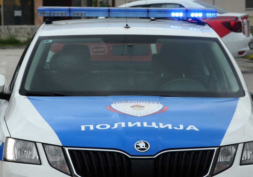 Teška nesreća kod Doboja: Mladić (21) autom sletio s puta i poginuo