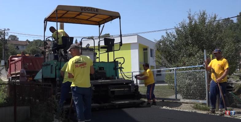Teslić: Asfaltiranje dionice puta u Vitkovcima (VIDEO)