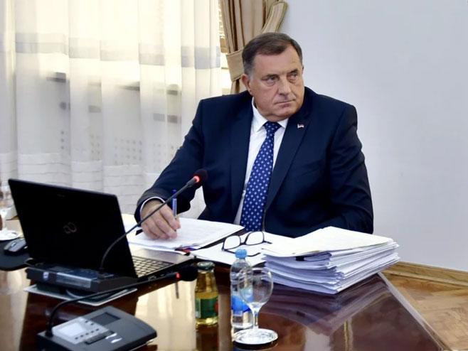 Bl: Komšić samovoljno otišao u Njujork  i prekršio Ustav,pojašnjava Dodik(VIDEO)