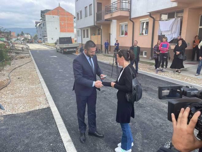 Uručeni ključevi za 20 interno raseljenih porodica u Bratuncu
