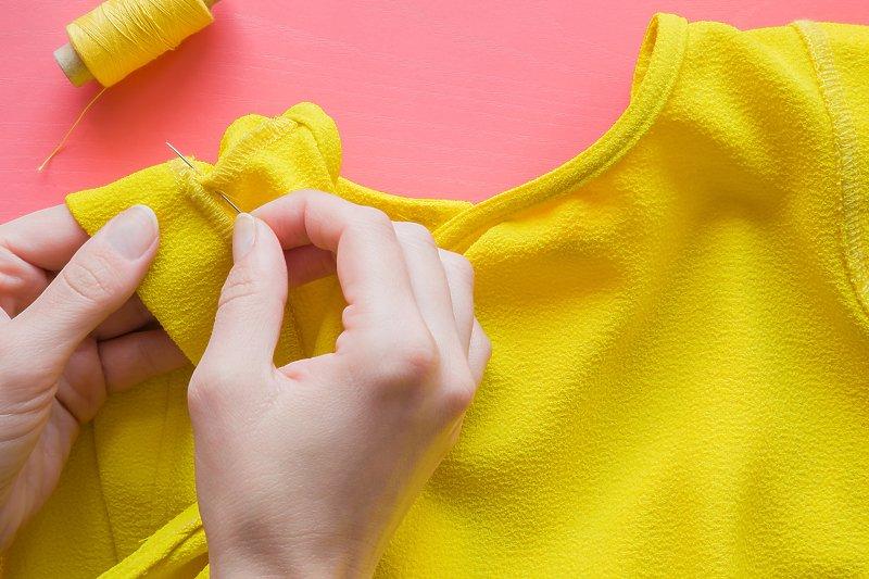 Uz nekoliko jednostavnih trikova popravite staru odjeću