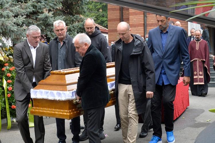 Šest velikana YU košarke nosili Dudin kovčeg