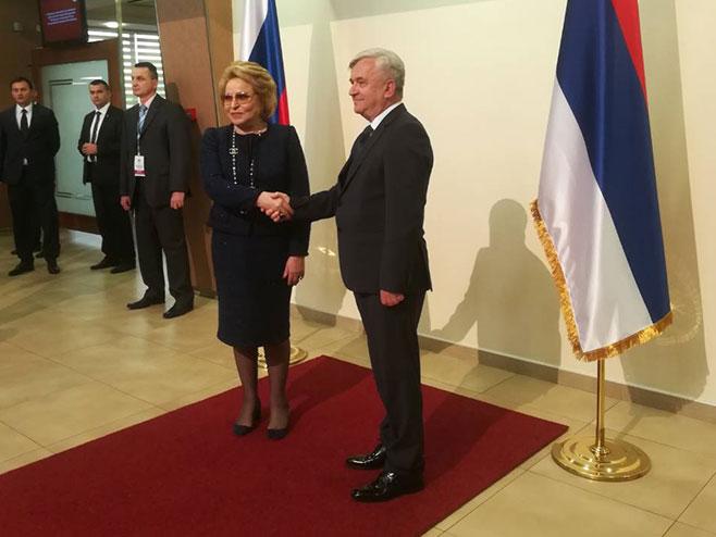 Matvijenko pisala Čubriloviću; Čestitke povodom 30 godina NSRS (FOTO)