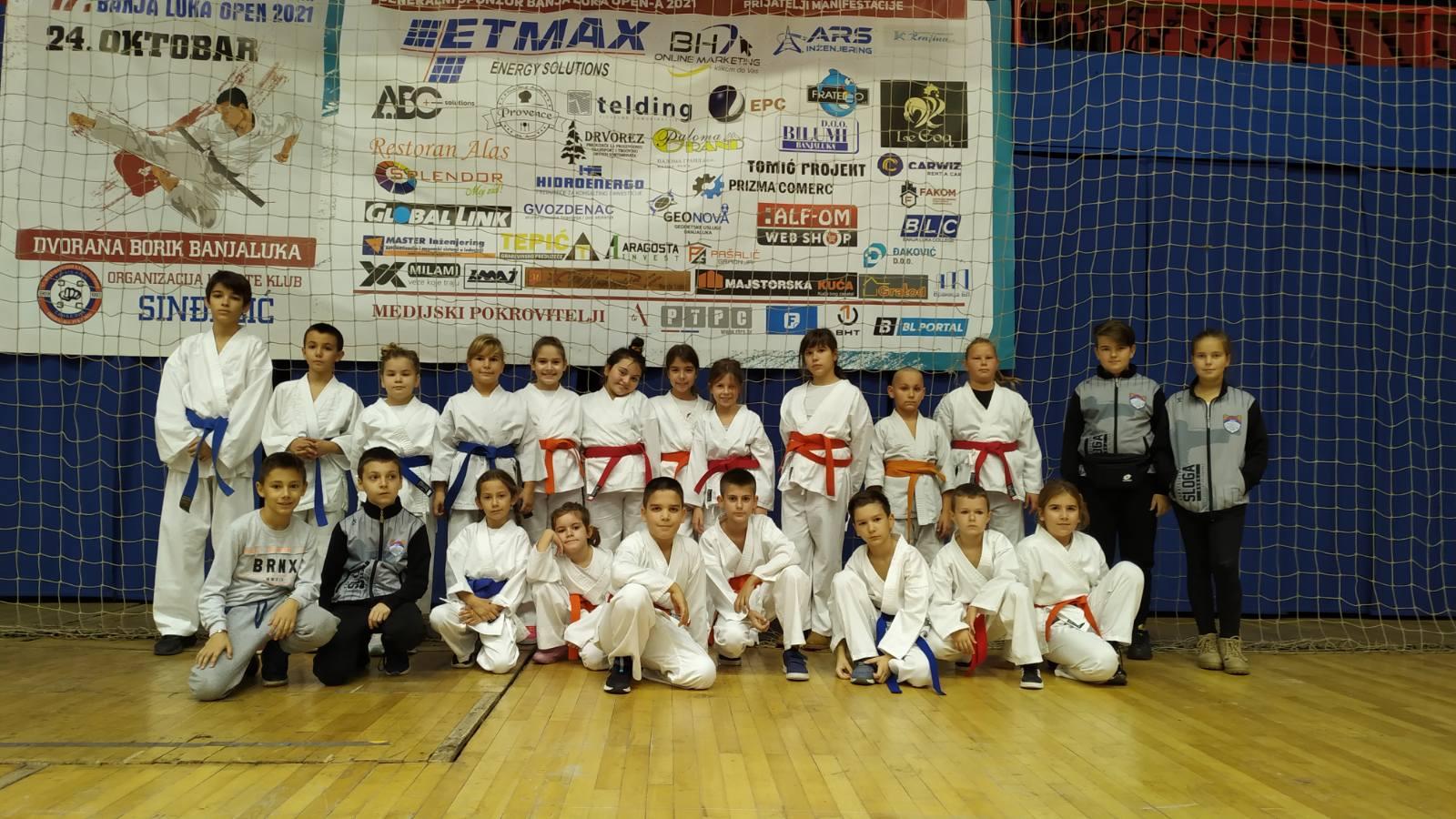 Veliki uspjeh mladih karatista iz Doboja na turniru u Banjaluci